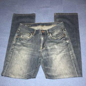 Tommy Bahama standard men's blue denim.size 33/32